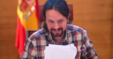 """Una exalumna cuenta el ligoteo machista de Pablo Iglesias con ella en un bar: """"Voy al baño te espero ahí"""""""